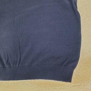 Izod Sweaters - Izod Navy blue v-neck knit sweater vest large